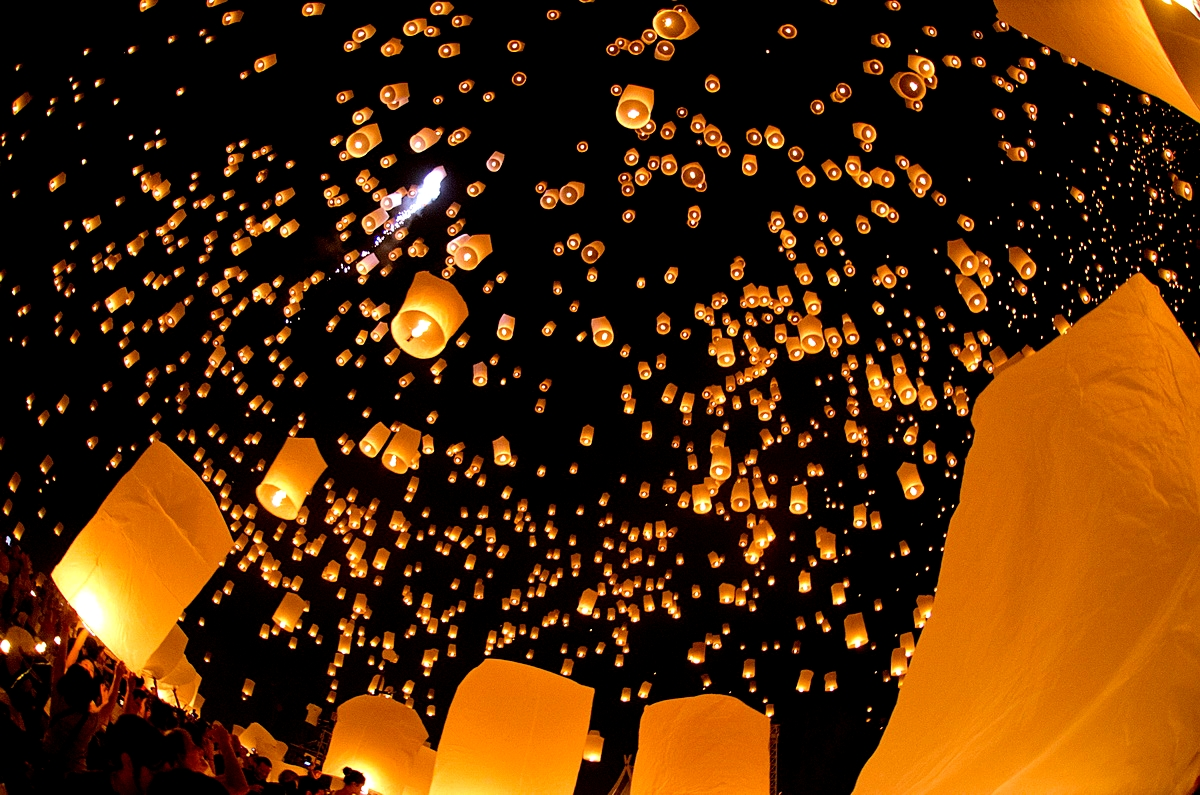 Chiang Mai, Lanterns at Loi Kratong