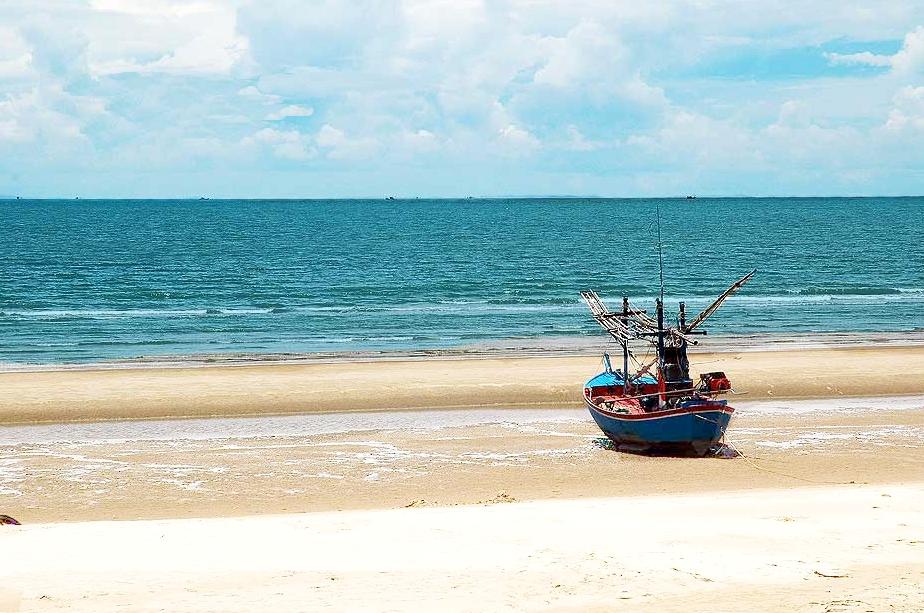 Pranburi, Beach